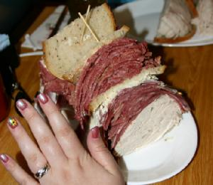 Ein Sandwich im 'Carnegie Deli', New York City.